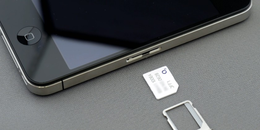 How to Tell If a SIM Card Is Damaged